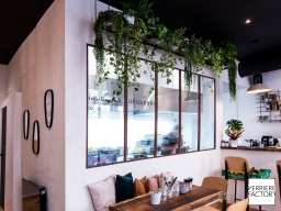 Projet Restaurant :  Verriere atelier finition rouille